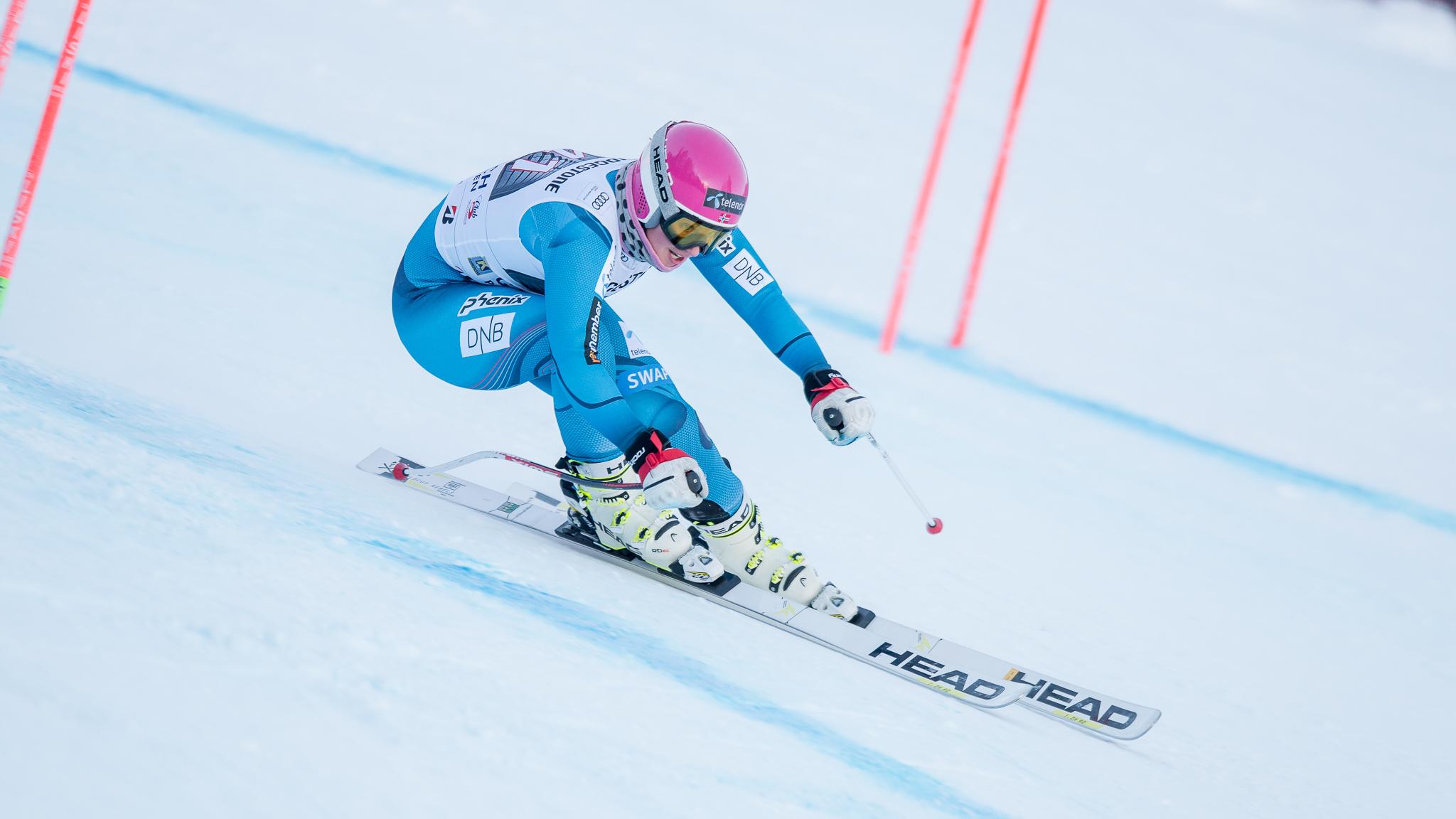 Cómo colocar los brazos en esqui